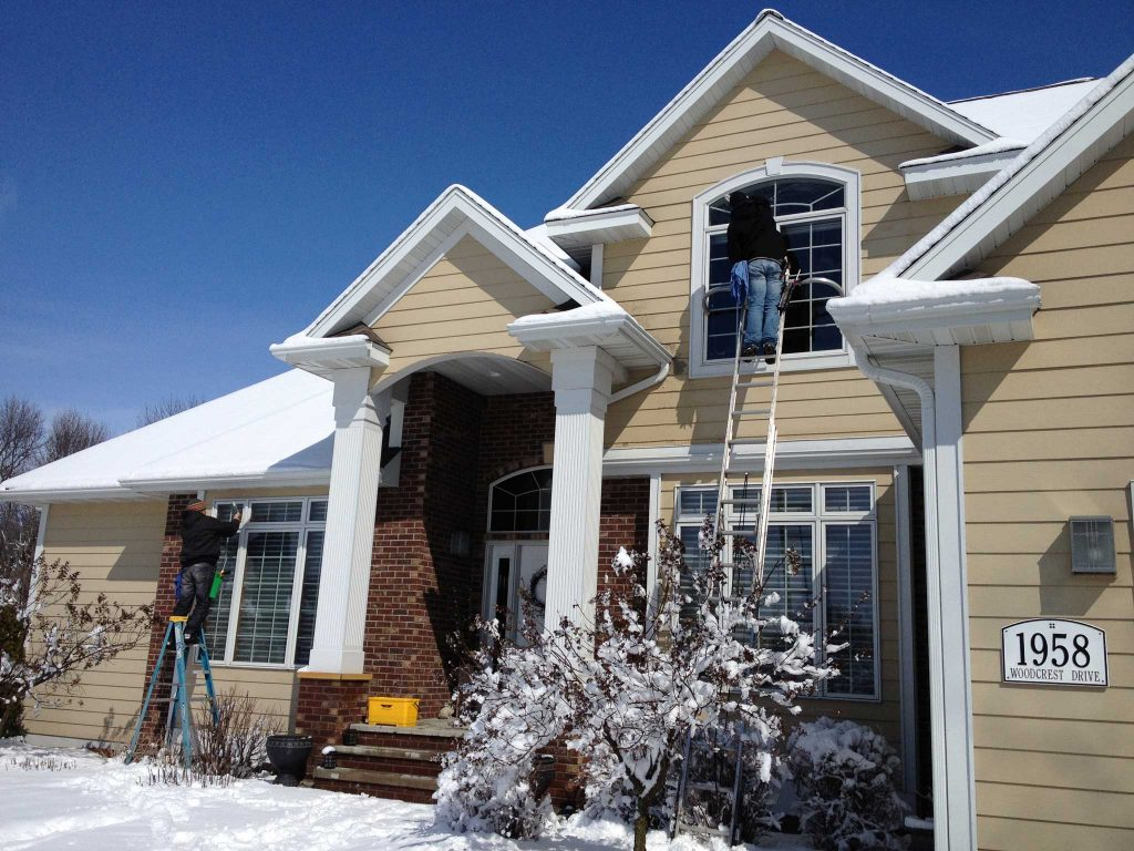 residential-window-cleaning-winter